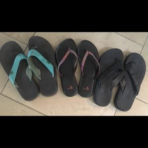 Sanuk flip flop lot of 3 pairs